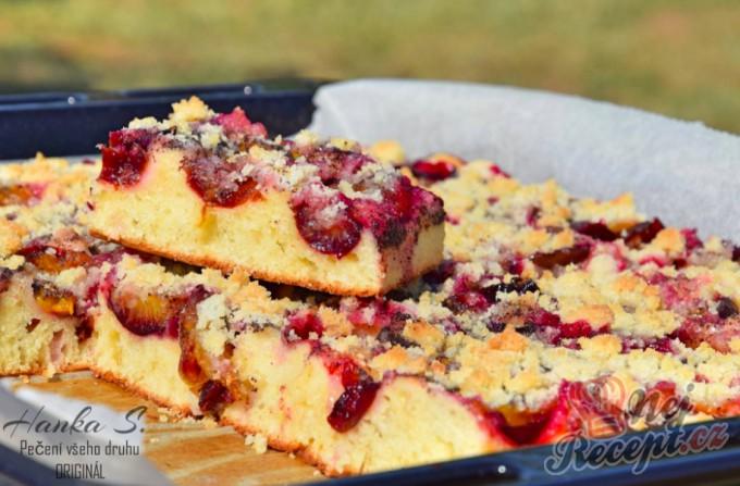 Fofr koláč se švestkama (ovoce může být jakékoliv)